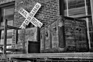 baggage-pickup-at-the-railroad-depot-in-black-and-white-thomas-woolworth
