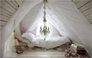 bed-cozy-pretty-princess-romantic-roses-Favim.com-52247